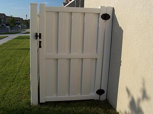 Vinyl Fence In Tampa Family Fence Company Of Florida