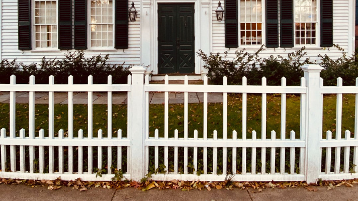 5 Ways To Choose The Right Fence For Your Home